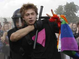 Gay rights campaigner arrested in Russia