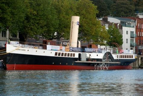 Medway-Queen-afloat