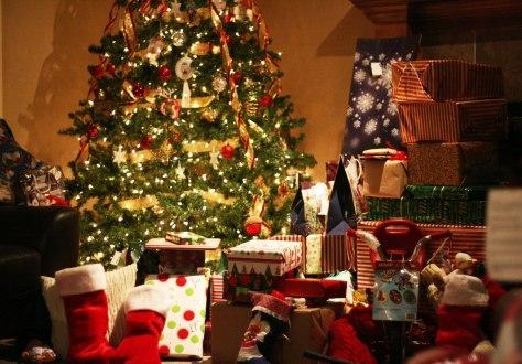 christmas-presents-under-tree-wallpaperchristmas-tree-wallpaper-hekagokd